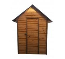 Туалет деревянный с унитазом и раковиной